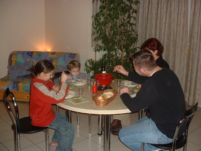 Appartement avec cuisine équipée - Fondue savoyarde - MFR Le Villaret Thônes - Haute Savoie